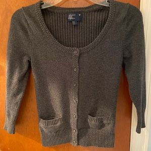 Cropped 3/4 sleeve grey cardigan